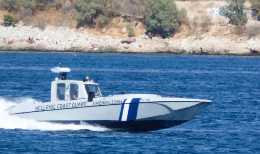 Τραγωδία στην Αντίπαρο με τρεις νεκρούς - Αυτοκίνητο έπεσε στη θάλασσα - Κυρίως Φωτογραφία - Gallery - Video