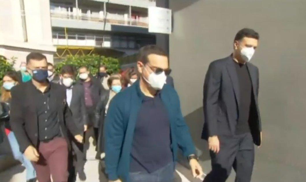 """Κορωνοϊός: Εμβολιάστηκαν στον """"Ευαγγελισμό"""" ο Υπουργός Υγείας, Βασίλης Κικίλιας & ο Πρόεδρος του ΣΥΡΙΖΑ, Αλέξης Τσίπρας (βίντεο) - Κυρίως Φωτογραφία - Gallery - Video"""