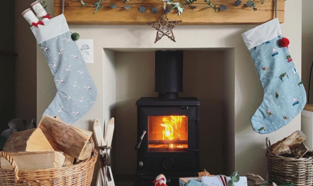 Στολίστε το σπίτι σας με τις πιο ευφάνταστες Χριστουγεννιάτικες κάλτσες  - Στο τζάκι, τις πόρτες & τα δωμάτια (φωτό) - Κυρίως Φωτογραφία - Gallery - Video