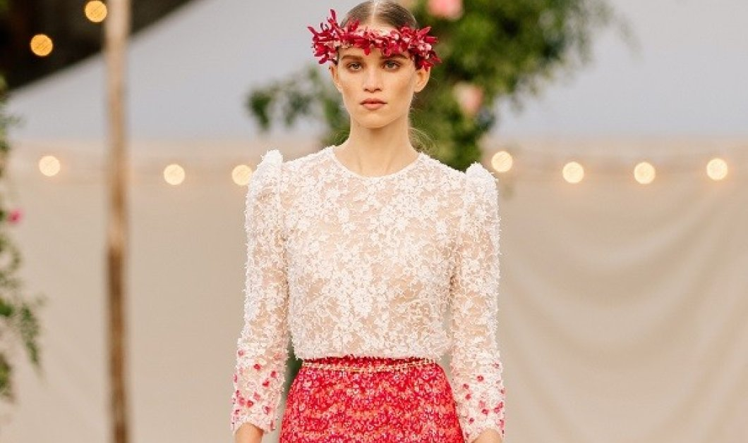 Η Chanel μας παρουσίασε την νέα κολεξιόν: Ρομαντισμός σε μια πασαρέλα γεμάτη άνθη, με έμπνευση έναν boho γάμο στην εξοχή (φωτό & βίντεο) - Κυρίως Φωτογραφία - Gallery - Video