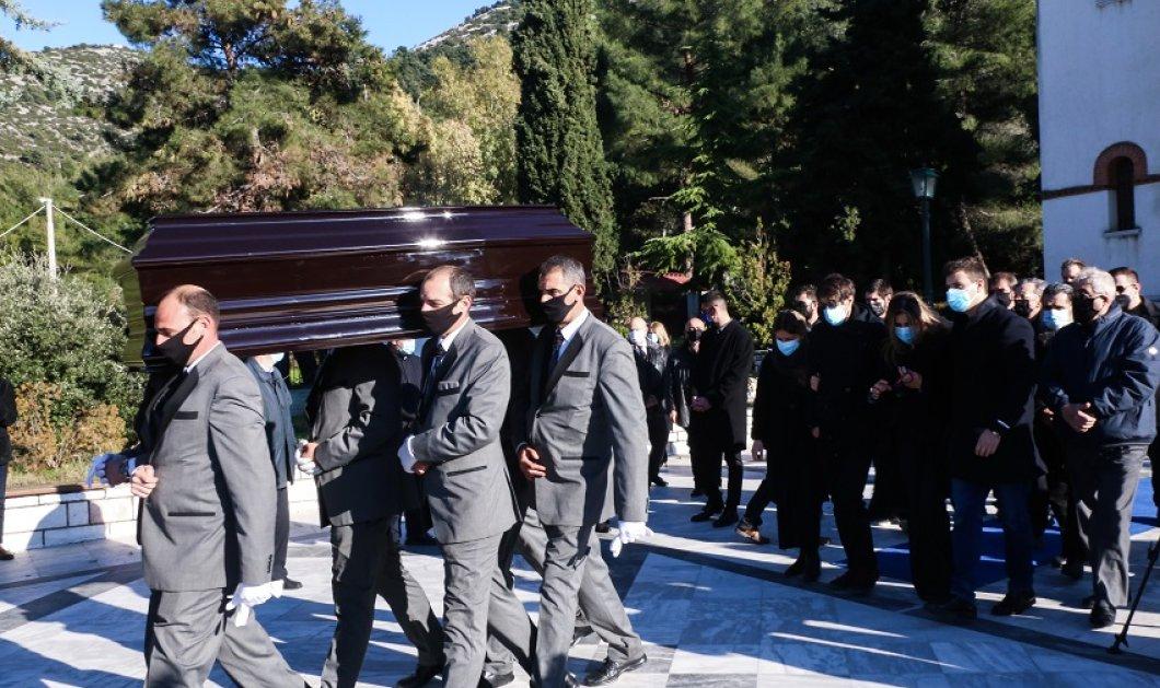 Συγκίνηση & θρήνος στην κηδεία του του Σήφη Βαλυράκη - Απαρηγόρητη η οικογένεια & οι φίλοι (φώτο) - Κυρίως Φωτογραφία - Gallery - Video