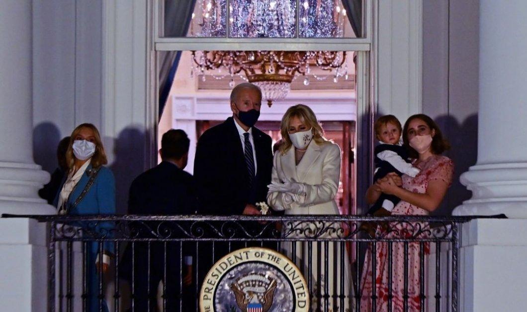 Ορκίστηκε ο 46ος πρόεδρος των ΗΠΑ Τζο Μπάιντεν: Η δημοκρατία νίκησε - Το πάρτι στον Λευκό Οίκο & ο γλύκας εγγονός του (φωτό & βίντεο) - Κυρίως Φωτογραφία - Gallery - Video