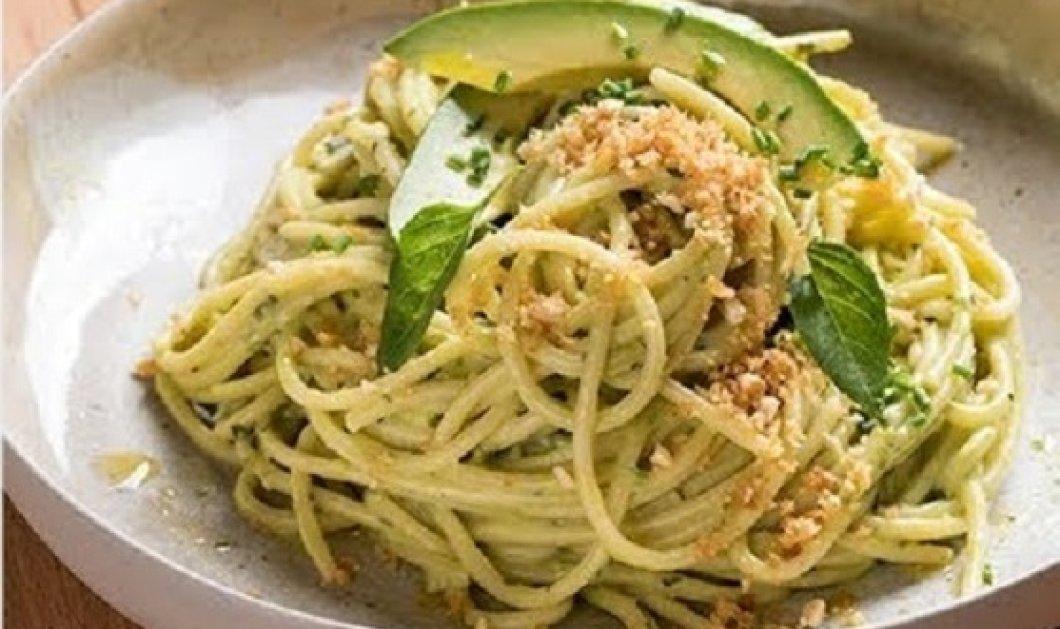 Γιάννης Λουκάκος: Μας φτιάχνει σπαγγέτι με σάλτσα αβοκάντο - Μια λαχταριστή και γρήγορη μακαρονάδα (βίντεο) - Κυρίως Φωτογραφία - Gallery - Video