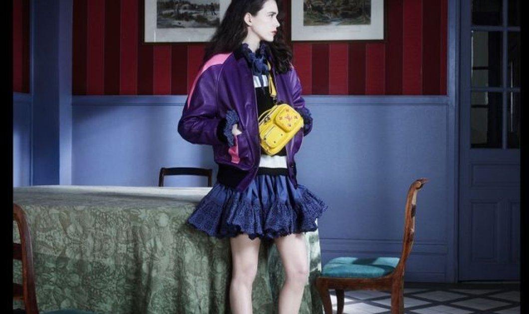 « Vuittamines » : Η Stasy Martin ποζάρει με την καινούργια συλλογή του Louis Vuitton & εμείς απλά... ερωτευτήκαμε τις υπέροχες τσάντες (φώτο) - Κυρίως Φωτογραφία - Gallery - Video