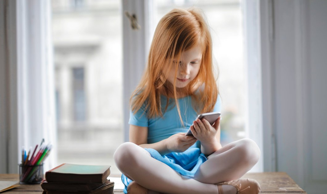 94% από 10 έως 12 ετών χρησιμοποιούν το internet - Tο 38% των νέων γυναικών & το 29% των νεαρών νιώθουν κατάθλιψη - Κυρίως Φωτογραφία - Gallery - Video