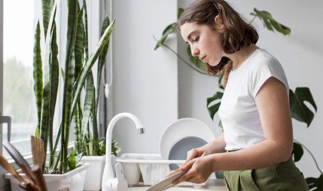 Σπύρος Σούλης: Μας έχει τα top tips: 6 κόλπα για το πλύσιμο των πιάτων που πρέπει να δοκιμάσετε!  - Κυρίως Φωτογραφία - Gallery - Video