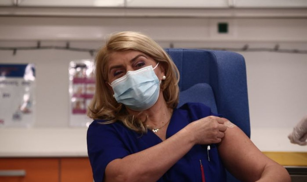 Greek Top Women Awards 2021 - Ευσταθία Καμπισιούλη: Βραβείο στην πρώτη νοσοκόμα που είχε το θάρρος να κάνει το εμβόλιο για τον Covid-19 - Κυρίως Φωτογραφία - Gallery - Video