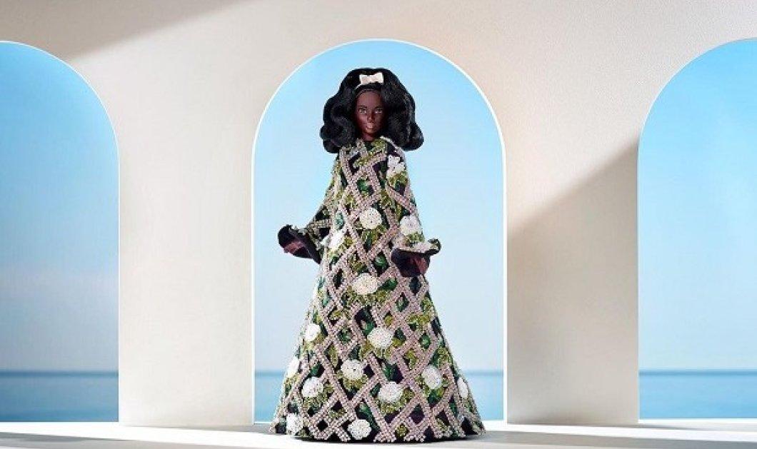 Δεν έχετε δει πιο καλοντυμένη Barbie: Ρετρό χτένισμα & τέλειο φουστάνι - Έτσι προμοτάρει ο Richard Quinn την νέα του συλλογή (φωτό) - Κυρίως Φωτογραφία - Gallery - Video