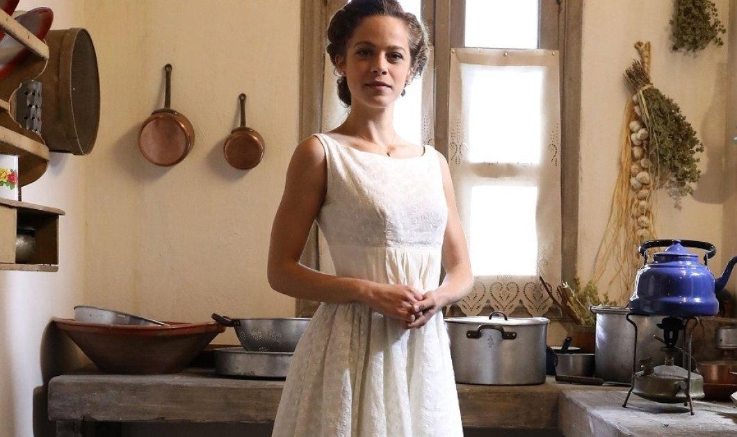 """Η Έλλη Τρίγγου  & η υπέροχη ασπρόμαυρη φωτογραφία από τα παιδικά της χρόνια - Πολύ γλυκό κορίτσι  η """"Ασημίνα"""" (φώτο) - Κυρίως Φωτογραφία - Gallery - Video"""