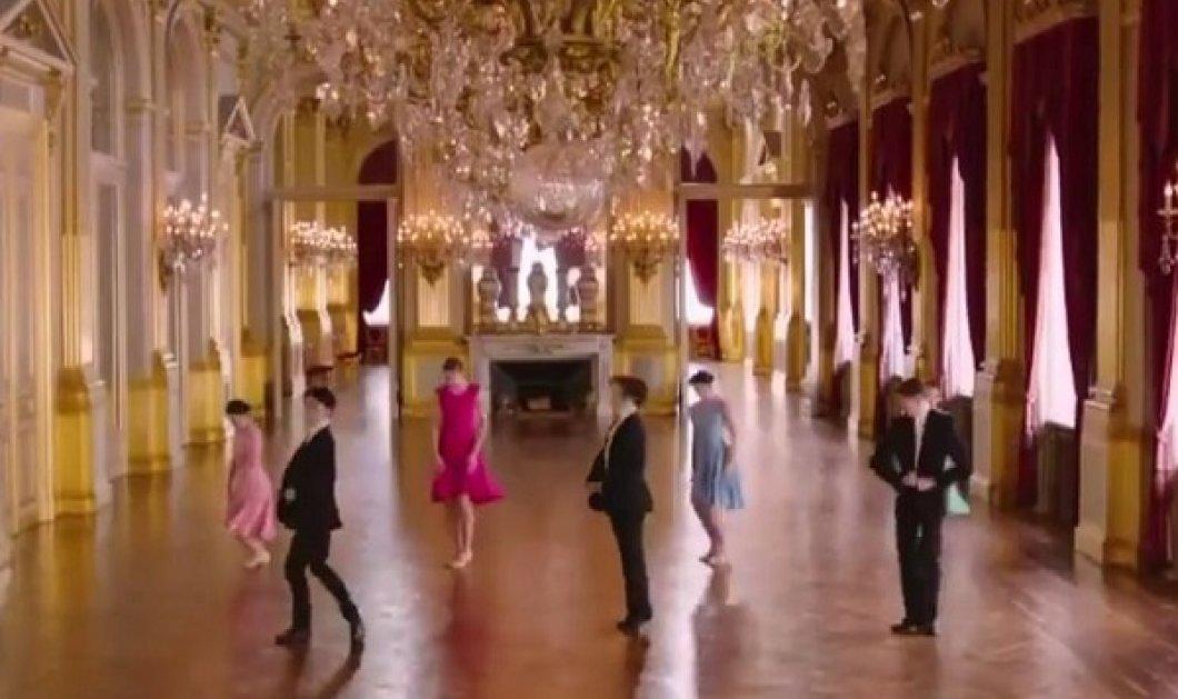Εντυπωσιακό βίντεο: Τελειόφοιτοι της Βασιλικής Σχολής Μπαλέτου χορεύουν μέσα στην ολόχρυση σάλα του βελγικού παλατιού - Κυρίως Φωτογραφία - Gallery - Video