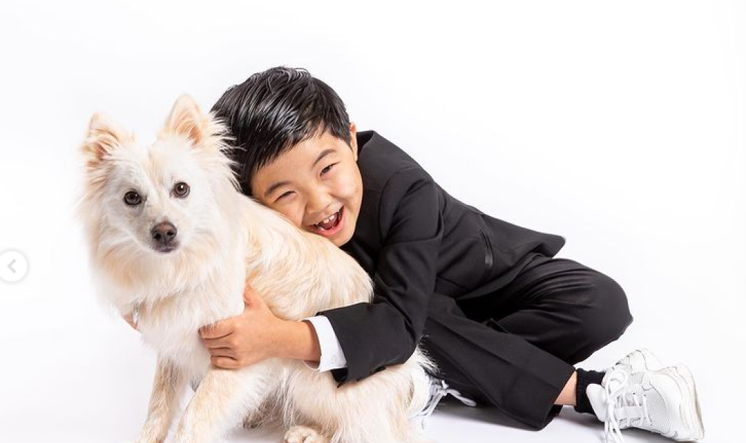 Παιδιά θαύματα! Το βραβείο στον 8χρονο Άλαν Κιμ! Βάζει τα κλάματα, λέει αστεία τρελή φατσούλα -  Απολαύστε τον στα Critic's Choice Awards(βίντεο)  - Κυρίως Φωτογραφία - Gallery - Video