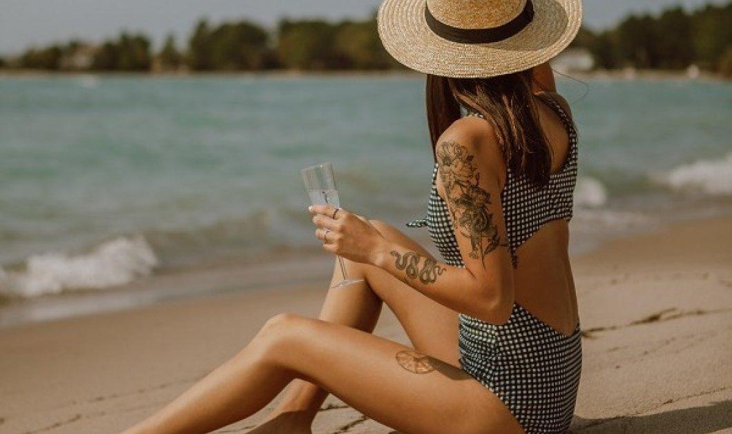 Με το βλέμμα στο καλοκαίρι: Αυτά είναι τα μαγιό που θα φορεθούν φέτος - Μαύρα μπικίνι, πολύχρωμα ολόσωμα (φωτό) - Κυρίως Φωτογραφία - Gallery - Video
