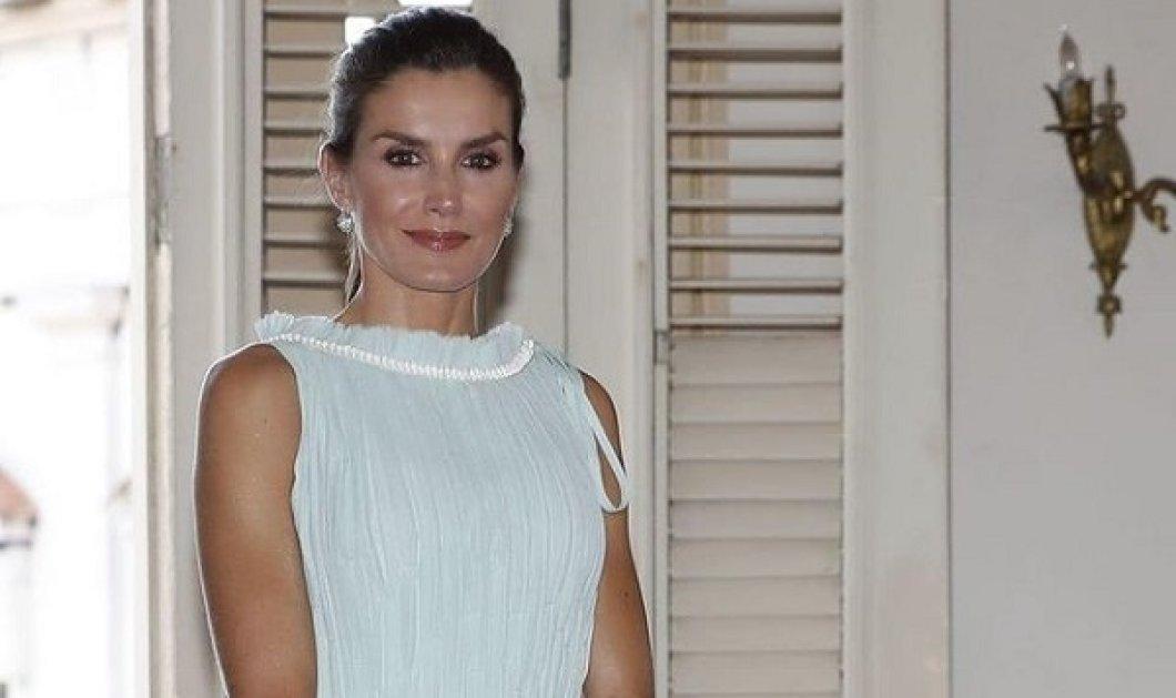 Τι να πούμε πια για την βασίλισσα Λετίσια της Ισπανίας: Εντυπωσιακή στα παστέλ, με μεταξωτή μπλούζα και pencil φούστα  (φωτό) - Κυρίως Φωτογραφία - Gallery - Video