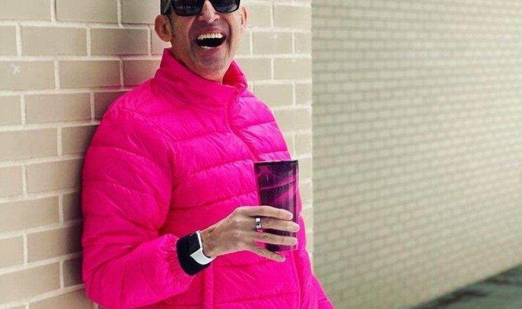 O διασημότερος interior designer -Karim Rashid φοράει τα αγαπημένα του πολύχρωμα ρούχα & γυμνάζεται χορεύοντας - Τα βίντεο με τον coronadance έγιναν trend  - Κυρίως Φωτογραφία - Gallery - Video