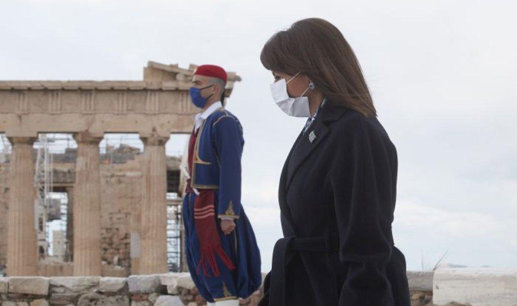 Αικατερίνη Σακελλαροπούλου μετά το τέλος της παρέλασης: H μεγαλύτερη δύναμη του Έθνους μας βρίσκεται στην ενότητα και την αλληλεγγύη (βίντεο) - Κυρίως Φωτογραφία - Gallery - Video