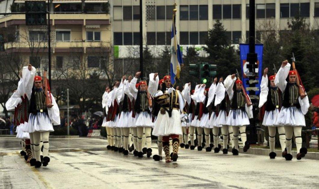 Καιρός 25ης Μαρτίου: Παρέλαση με χιονόνερο και παγωνιά στην Αθήνα - Κυρίως Φωτογραφία - Gallery - Video