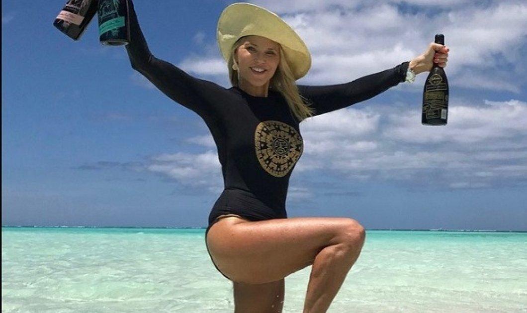 Christie Brinkley: Η γυναίκα - θαύμα στα 67 της! Το μυστικό της αντιγήρανσης; Θάλασσα & θετική ενέργεια - Απίστευτες φωτό & βίντεο - Κυρίως Φωτογραφία - Gallery - Video