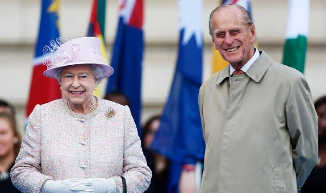 Κηδεία πρίγκιπα Φίλιππου: Οι κανόνες που μπορεί να «αφήσουν» μόνη την βασίλισσα Ελισάβετ - Αγέρωχη η μονάρχης, επέστρεψε στα καθήκοντά της - Κυρίως Φωτογραφία - Gallery - Video