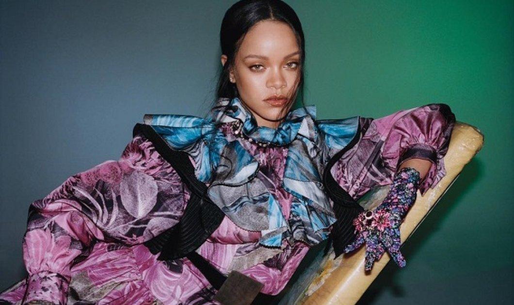 Είδωλο η Rihanna: Το μεγάλο γούνινο καπέλο, το τζιν με τα φτερά - Η εμφάνιση σε βιβλιοπωλείο στο Λος Άντζελες (φωτό) - Κυρίως Φωτογραφία - Gallery - Video