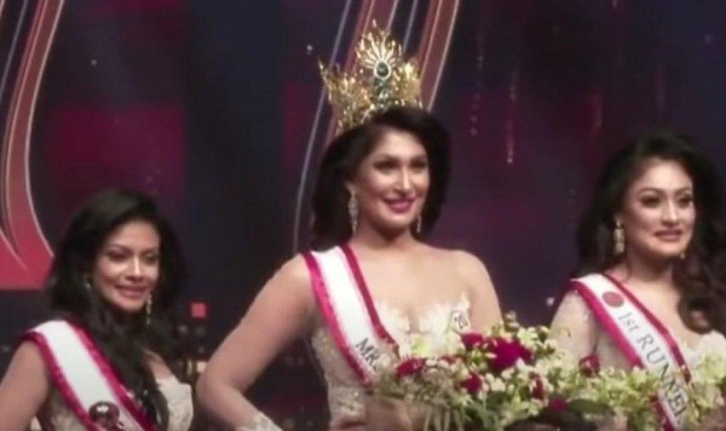 Ξεκατίνιασμα στα καλλιστεία: Εξελέγη η Μις Σρι Λάνκα και έπεσαν πάνω της οι ανταγωνίστριες να της βγάλουν το στέμμα - Είναι διαζευγμένη είπαν (βίντεο) - Κυρίως Φωτογραφία - Gallery - Video