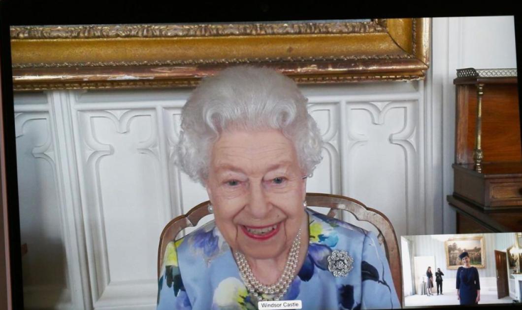Η βασίλισσα Ελισάβετ μετά την κηδεία του Φιλίππου έκανε zoom call - Φόρεσε το χαμόγελο της και επέστρεψε στις υποχρεώσεις της (φωτό)  - Κυρίως Φωτογραφία - Gallery - Video