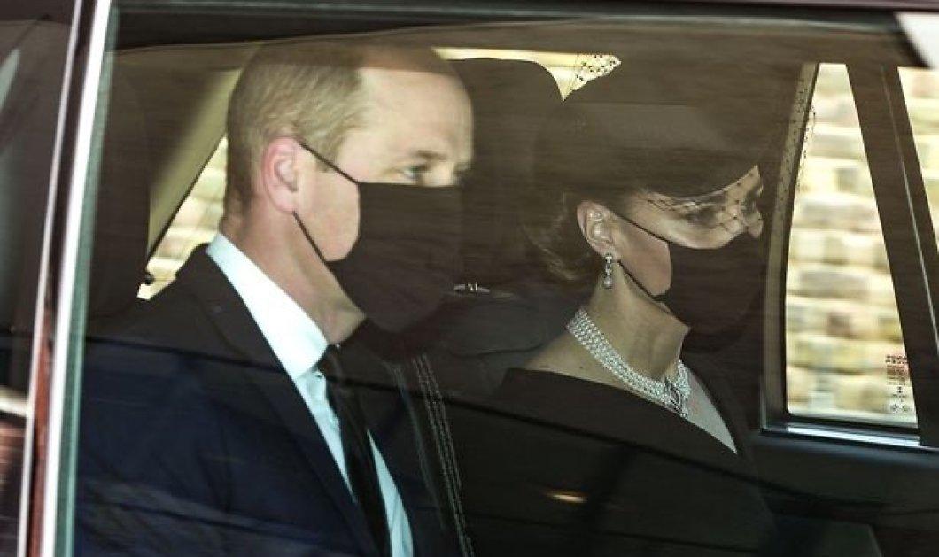 Κηδεία πρίγκιπα Φίλιππου: Έφτασαν ο πρίγκιπας William και η Kate - Το απίστευτο μακιγιάζ, το υπέροχο κολιέ με μαργαριτάρια, τα ασορτί σκουλαρίκια της Δούκισσας (φωτό) - Κυρίως Φωτογραφία - Gallery - Video