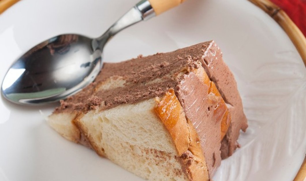 Στέλιος Παρλιάρος: Τούρτα με βάση από τσουρέκι - Το σιρόπι και η κρέμα σοκολάτα απογειώνουν την συνταγή - Κυρίως Φωτογραφία - Gallery - Video