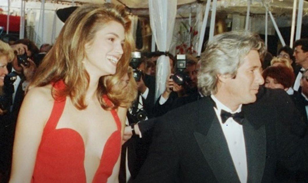 Η Cindy Crawford αναλύει 13 «διάσημα» looks της: Όταν συνόδευε τον πρώην άντρα της Richard Gere στα Όσκαρ, με κατακόκκινη τουαλέτα (βίντεο) - Κυρίως Φωτογραφία - Gallery - Video