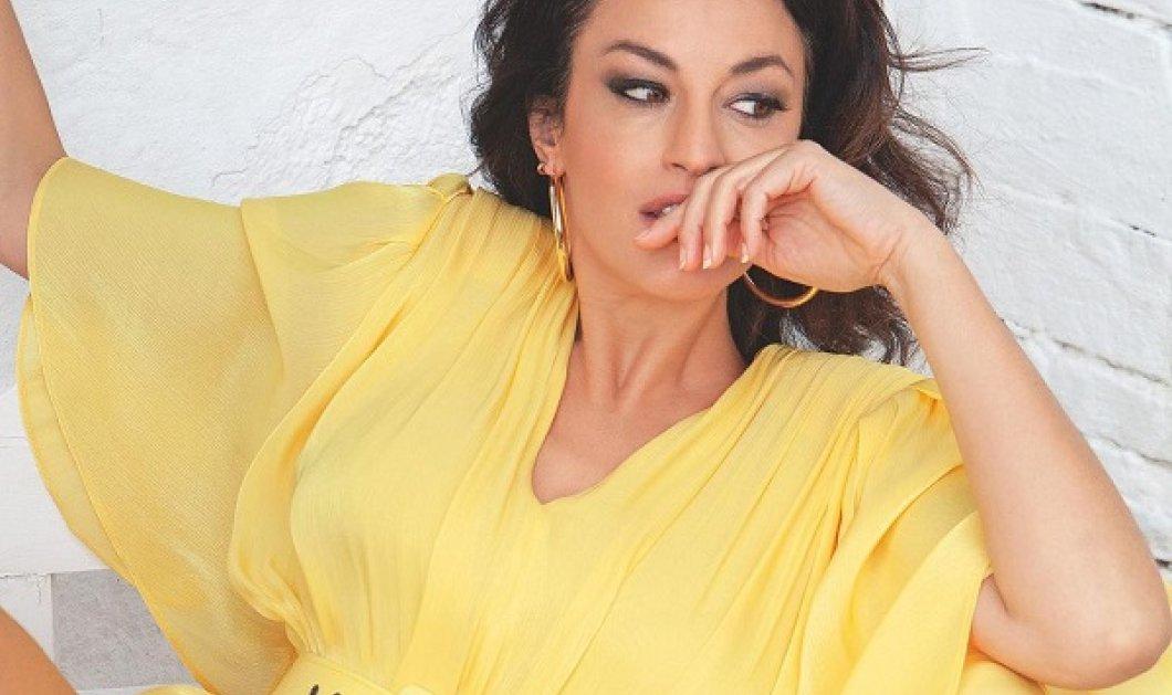 Η Δωροθέα Μερκούρη με υπέροχο κίτρινο μίνι φόρεμα του Στέλιου Κουδουνάρη - «Πότε αισθάνθηκες πρώτη φορά σέξι;» (φωτό) - Κυρίως Φωτογραφία - Gallery - Video