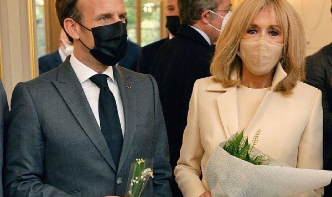 Η Brigitte και ο Emmanuel Macron υποδέχτηκαν τον Μάιο με το εθνικό τους λουλούδι, το Muguet: 60 εκατ αναμένεται να πουληθούν φέτος (φωτό) - Κυρίως Φωτογραφία - Gallery - Video