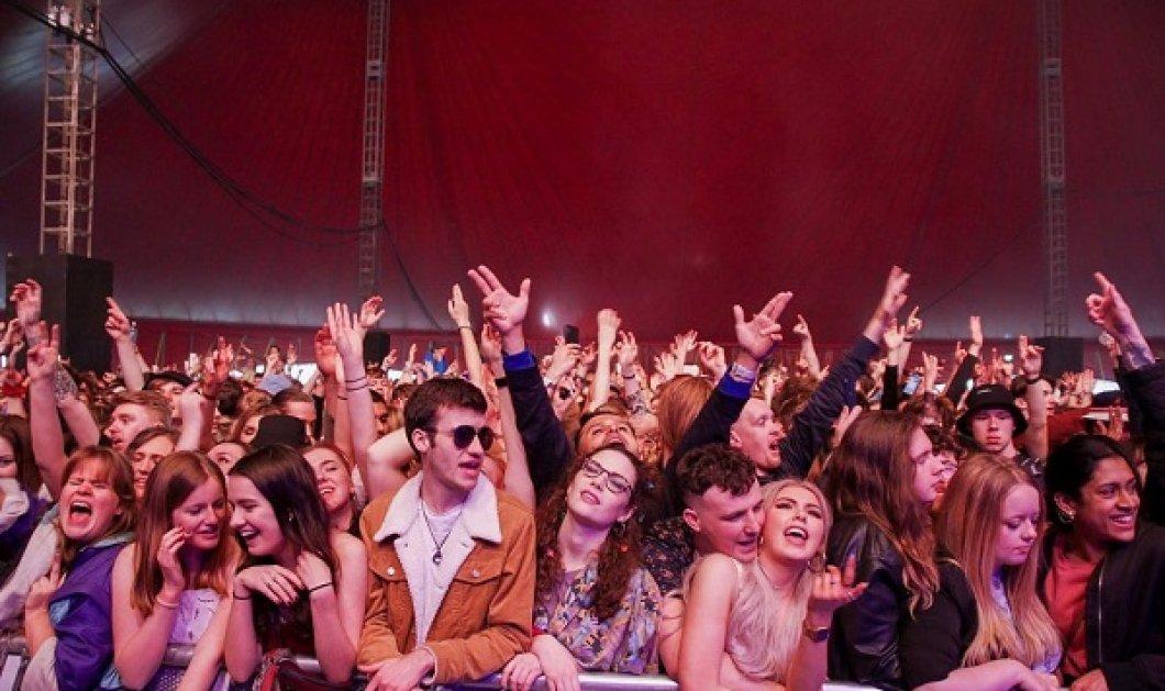 Λίβερπουλ: Στο Sefton Park 5.000 άτομα μαζί χωρίς μάσκες! Ζήτωωω φωνάζουν οι Άγγλοι & γιορτάζουν το τέλος της πανδημίας (φωτό & βίντεο) - Κυρίως Φωτογραφία - Gallery - Video