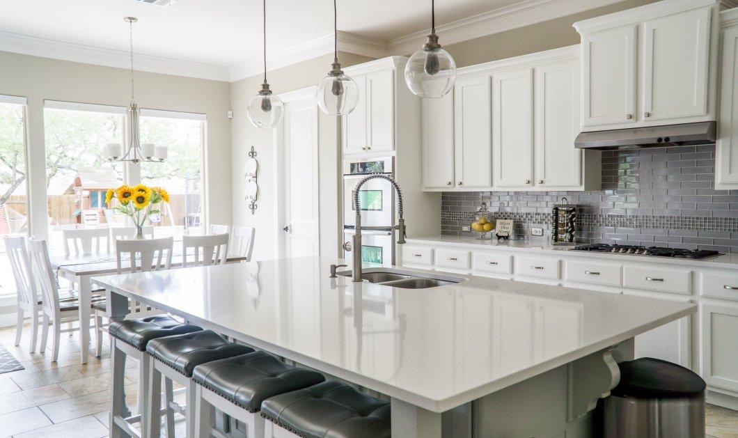 Σπύρος Σούλης: Ανακαινίστε τα παλιά ντουλάπια της κουζίνας σας με αυτόν τον πολύ οικονομικό τρόπο - Κυρίως Φωτογραφία - Gallery - Video