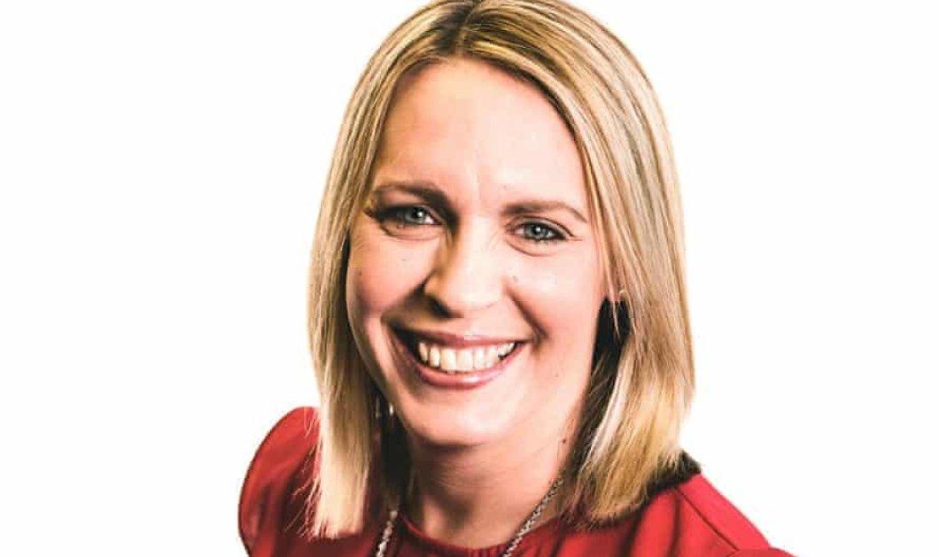 Lisa Shaw: Η βραβευμένη ραδιοφωνική παραγωγός του BBC πέθανε λίγο μετά τον εμβολιασμό της με AstraZeneca - Έρευνα για τα αίτια θανάτου  - Κυρίως Φωτογραφία - Gallery - Video