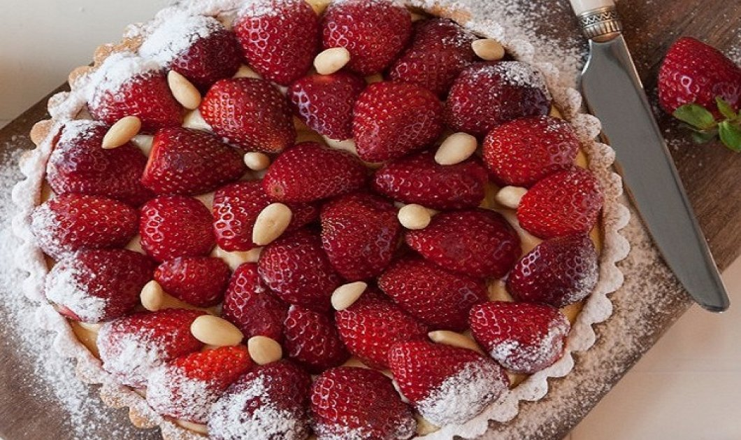 Τάρτα με κρέμα και φράουλες από τον Στέλιο Παρλιάρο - Τραγανή βάση & ανάλαφρη κρέμα σε ένα γλυκό όνειρο! - Κυρίως Φωτογραφία - Gallery - Video