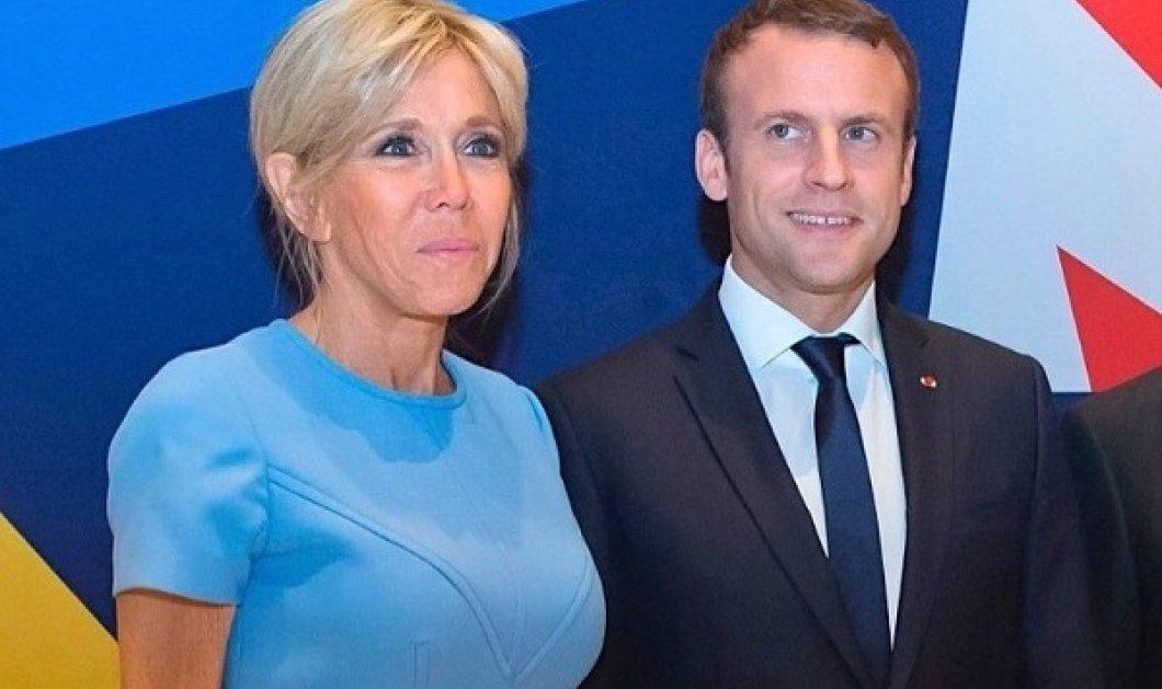 Το μίνιμαλ look της Brigitte Macron στο επίσημο δείπνο με την Αυτοκράτειρα της Ιαπωνίας Masako - η λεπτομέρεια στις γόβες στιλέτο, το σινιόν (φωτό)  - Κυρίως Φωτογραφία - Gallery - Video