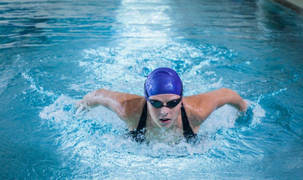 Βαριέσαι το γυμναστήριο; 7 λόγοι για να ξεκινήσεις κολύμπι - Πόσες θερμίδες καίει & ποια μέρη του σώματος γυμνάζει - Κυρίως Φωτογραφία - Gallery - Video