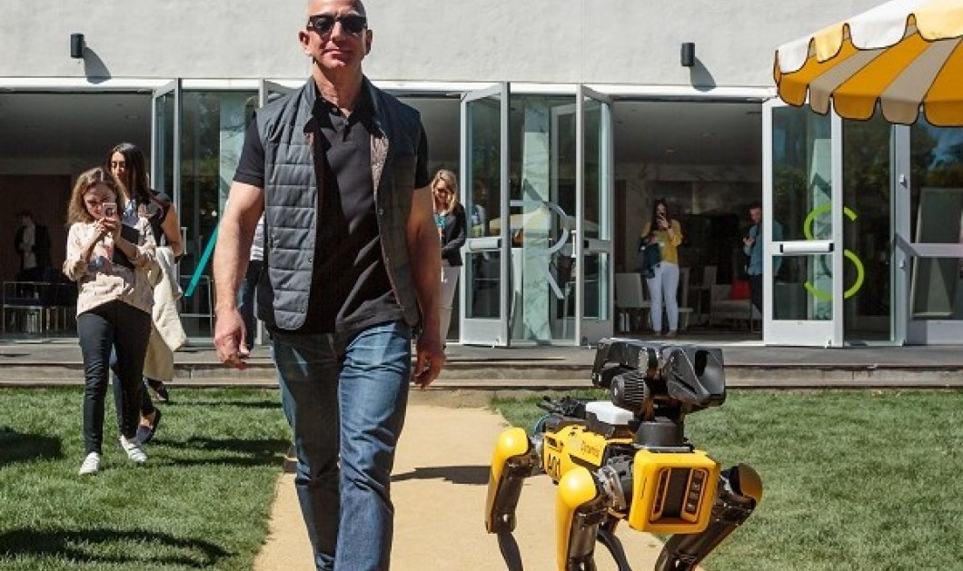Jeff Bezos: Ο πλουσιότερος άνθρωπος στον πλανήτη πάει στο διάστημα! Μαζί με τον αδερφό του στο 1ο τουριστικό ταξίδι της Blue Origin (βίντεο) - Κυρίως Φωτογραφία - Gallery - Video