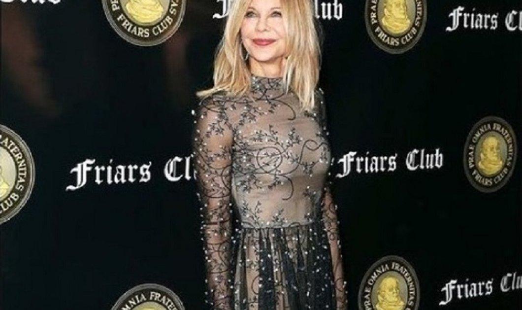 Η Μεγκ Ράιαν φοράει την απόλυτη floral τουαλέτα & ποζάρει για τον πιο διάσημο φωτογράφο του Χόλυγουντ -Το ωραιότερο φόρεμα του καλοκαιριού (φώτο)  - Κυρίως Φωτογραφία - Gallery - Video