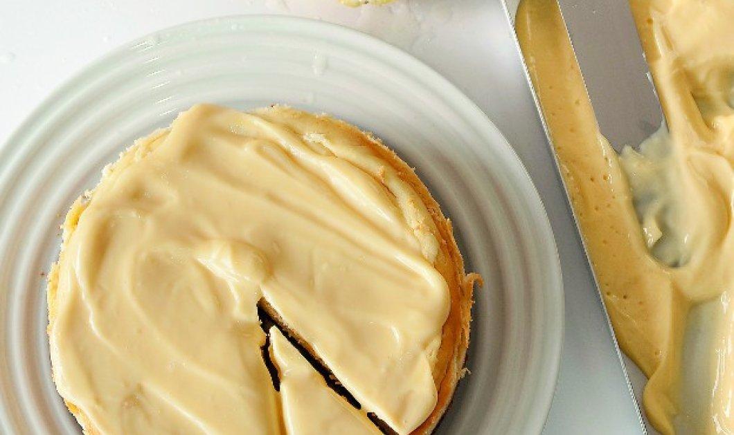 Τσίζκεϊκ λεμονιού με ρικότα από τον Στέλιο Παρλιάρο: Η κρέμα της επικάλυψης το κάνει ακόμα πιο νόστιμο! - Κυρίως Φωτογραφία - Gallery - Video