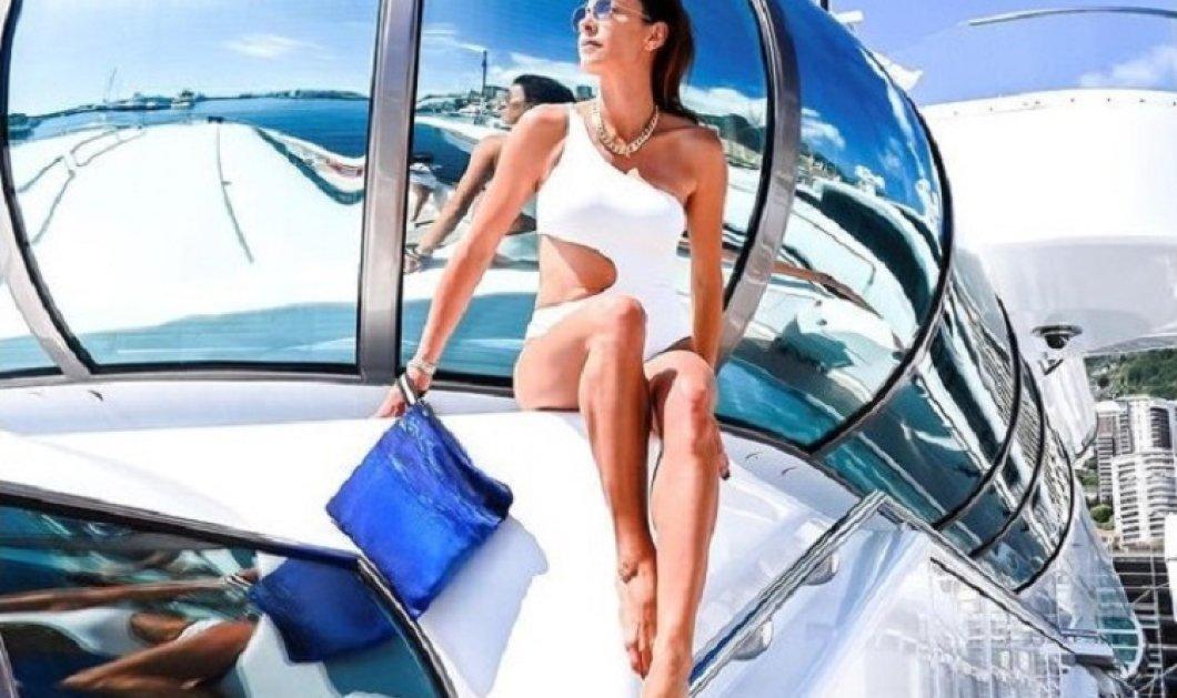 """Η Μαρίνα Βερνίκου αποθεώνει το ελληνικό καλοκαίρι με φανταστικά μαγιό - Ολόσωμα ή μπικίνι είναι τα """"must have"""" του φετινού καλοκαιριού  (φώτο) - Κυρίως Φωτογραφία - Gallery - Video"""