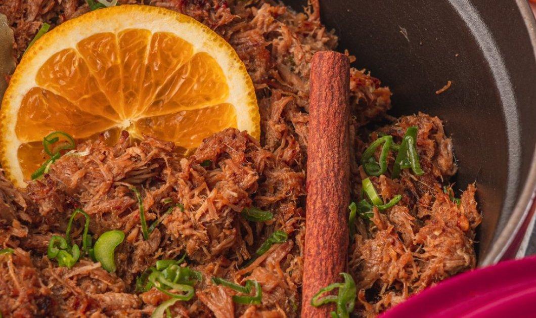 Ο Γιάννης Λουκάκος μας ετοιμάζει: Σιγομαγειρεμένο χοιρινό με πορτοκάλι και μπαχαρικά - Κυρίως Φωτογραφία - Gallery - Video