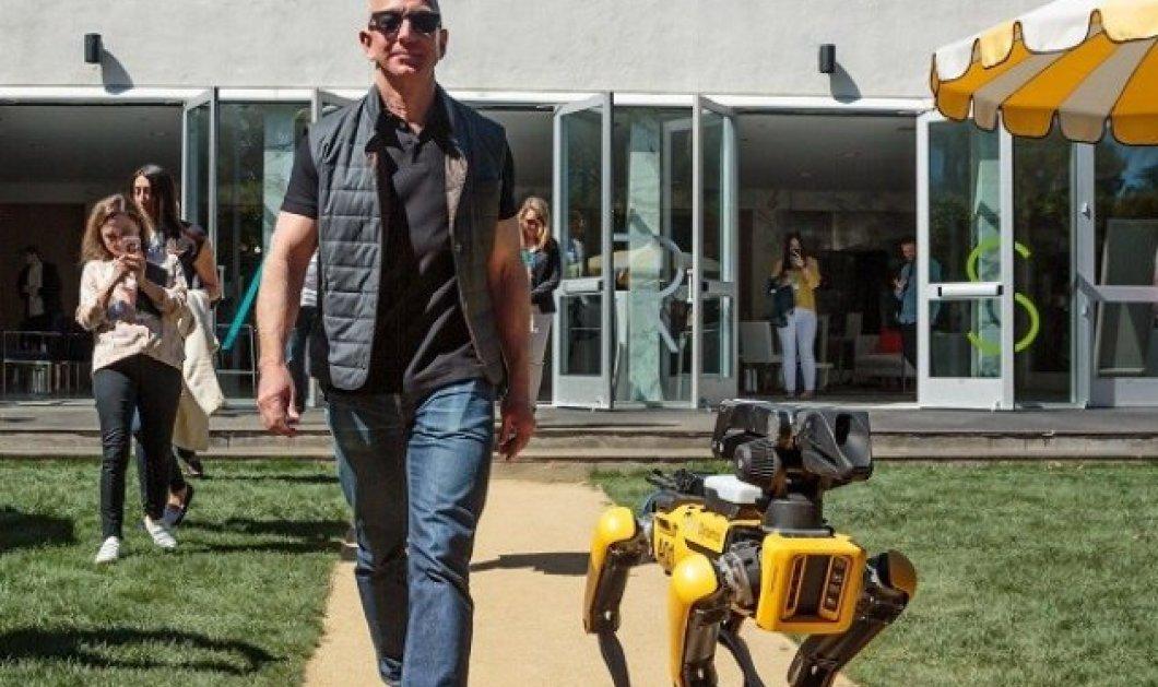 Jeff Bezos: Στάση στην Σίφνο για τον πλουσιότερο άνθρωπο του κόσμου - Απολαμβάνει τον ελληνικό ήλιο πριν πάει στο... διάστημα! - Κυρίως Φωτογραφία - Gallery - Video