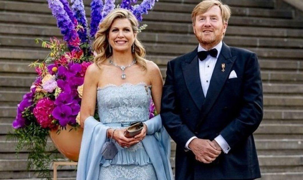 Η βασίλισσα Μάξιμα της Ολλανδίας στο κόκκινο χαλί με τουαλέτα - γαλάζια οπτασία από δαντέλα, λεπτότερη κομψότερη (φωτό) - Κυρίως Φωτογραφία - Gallery - Video
