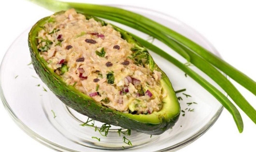 Αβοκάντο γεμιστά με τονοσαλάτα - Ελαφριά - υγιεινή & πεντανόστιμη συνταγή από τον Δημήτρη Σκαρμούτσο  - Κυρίως Φωτογραφία - Gallery - Video