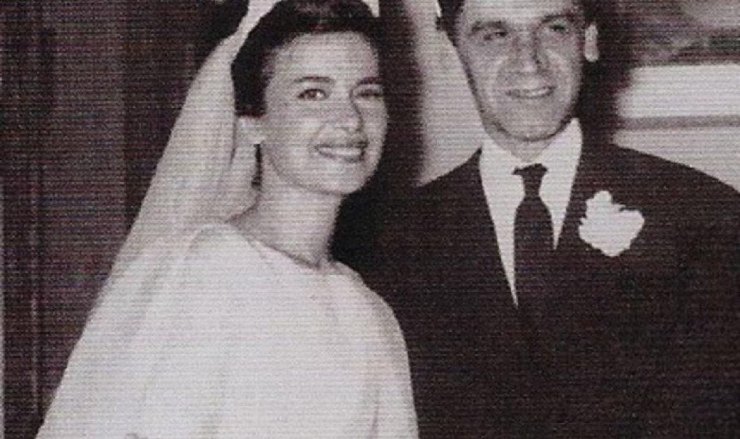 Σπάνιες Vintage Pics: Ο Δημήτρης Παπαμιχαήλ & η Δέσπω Διαμαντίδου στο γάμο της  Τζένης Καρέζη με τον Ζάχο Χατζηφωτίου - Κουμπάρα η πλοιοκτήτρια Μάγια Καλλιγά με τζιν στη δεξίωση   - Κυρίως Φωτογραφία - Gallery - Video