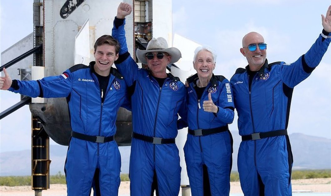 """18χρονος έγινε ο νεότερος ταξιδιώτης του διαστήματος - """"Πέταξε"""" μαζί με τον Τζέφ Μπέζος, αλλά δεν έχει παραγγείλει ποτέ από την Amazon (φωτό) - Κυρίως Φωτογραφία - Gallery - Video"""