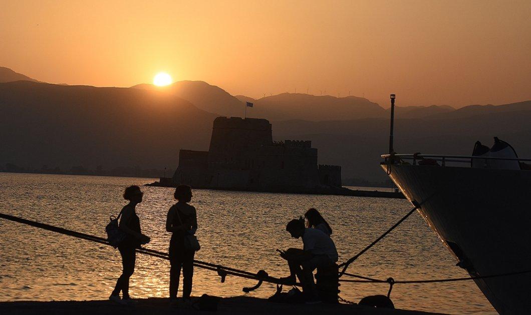 """Στο έλεος του καύσωνα η χώρα : Η Αθήνα  """"φλέγεται"""" με θερμοκρασία εδάφους 55 βαθμούς - Έρχεται δύσκολη εβδομάδα (φώτο-βίντεο)  - Κυρίως Φωτογραφία - Gallery - Video"""