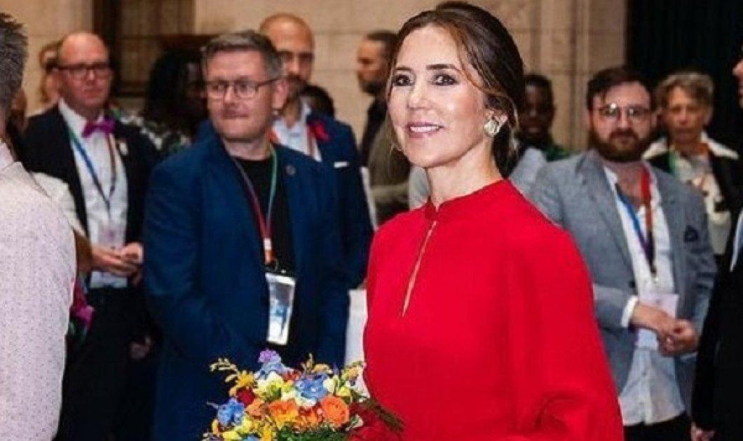Οι σικ εμφανίσεις της πριγκίπισσας Μαίρης της Δανίας: Το κατακόκκινο φόρεμα, το μπλε ηλεκτρίκ & μια παντελόνα του ονείρου (φωτό) - Κυρίως Φωτογραφία - Gallery - Video