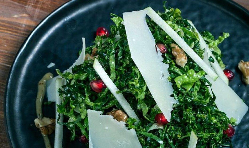 Γιάννης Λουκάκος: Μας φτιάχνει υπέροχη σαλάτα με kale, ρόδι, καρύδια, Αρσενικό Νάξου και βινεγκρέτ με μέλι και μουστάρδα - Για το τραπέζι του 15αύγουστου - Κυρίως Φωτογραφία - Gallery - Video
