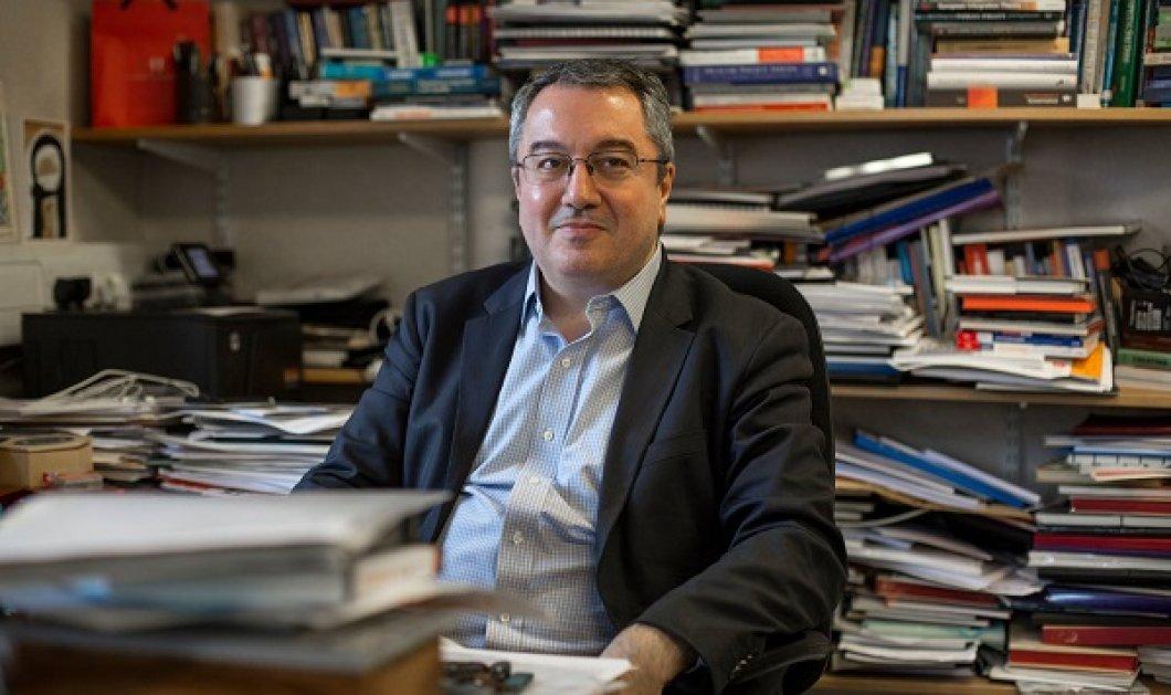 Ο Ηλίας Μόσιαλος με ένα πληρέστατο κείμενο απαντά σε όλες τις απορίες για τα νέα δεδομένα του covid: Όσα μας ανησυχούν λόγω της επέλασης της Δέλτα - Κυρίως Φωτογραφία - Gallery - Video